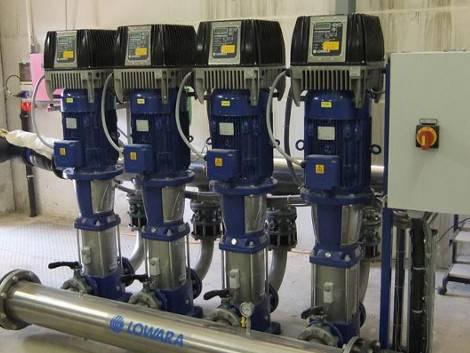 Druckerhoehungs-Anlage von LOWARA in einem Wasserwerk.